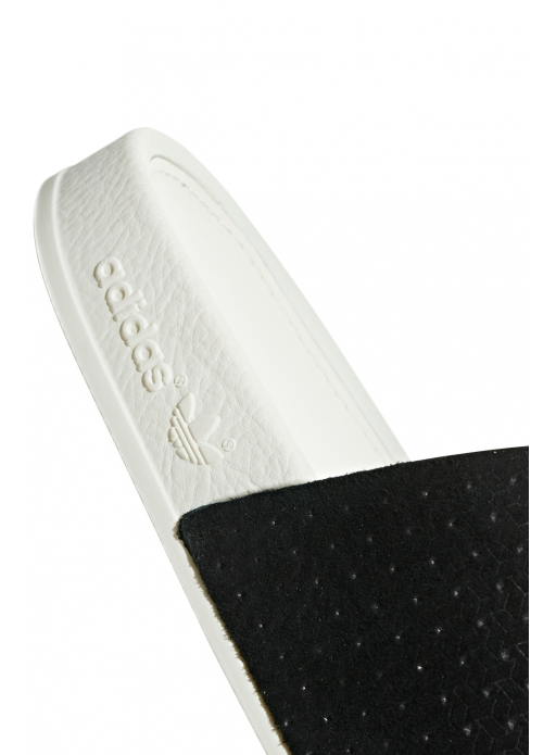 2ce3a9f5 Klapki adidas Originals Adilette Luxe - CG6554 / Klapki / Buty ...